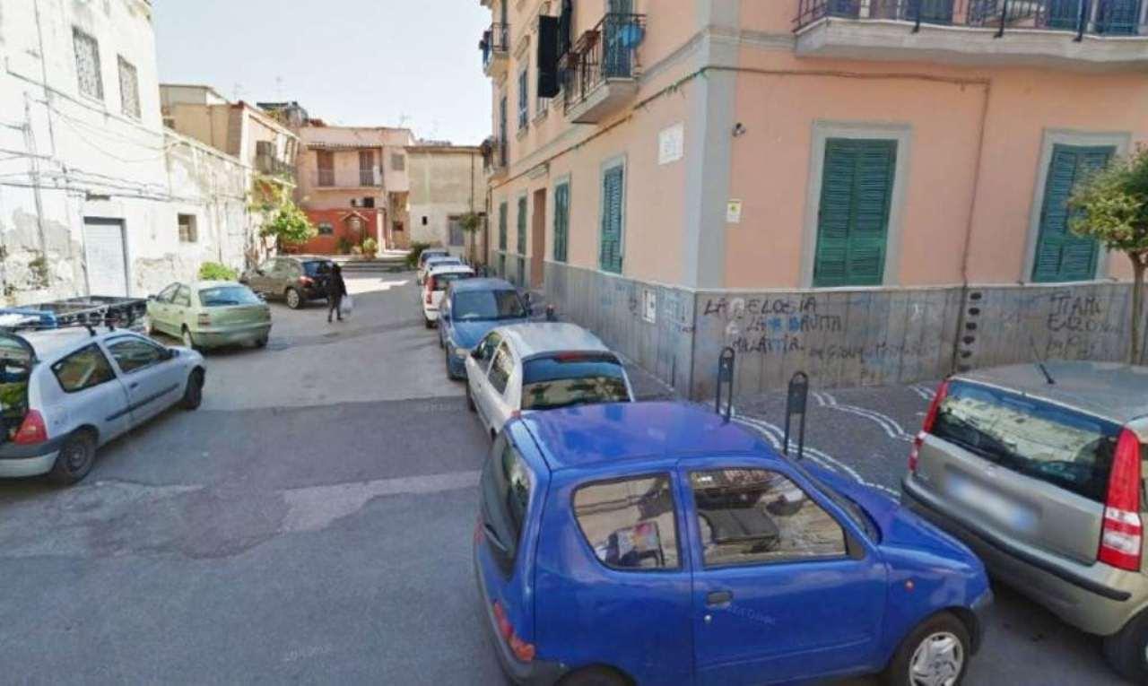 Bilocale Napoli Corso Sirena 1