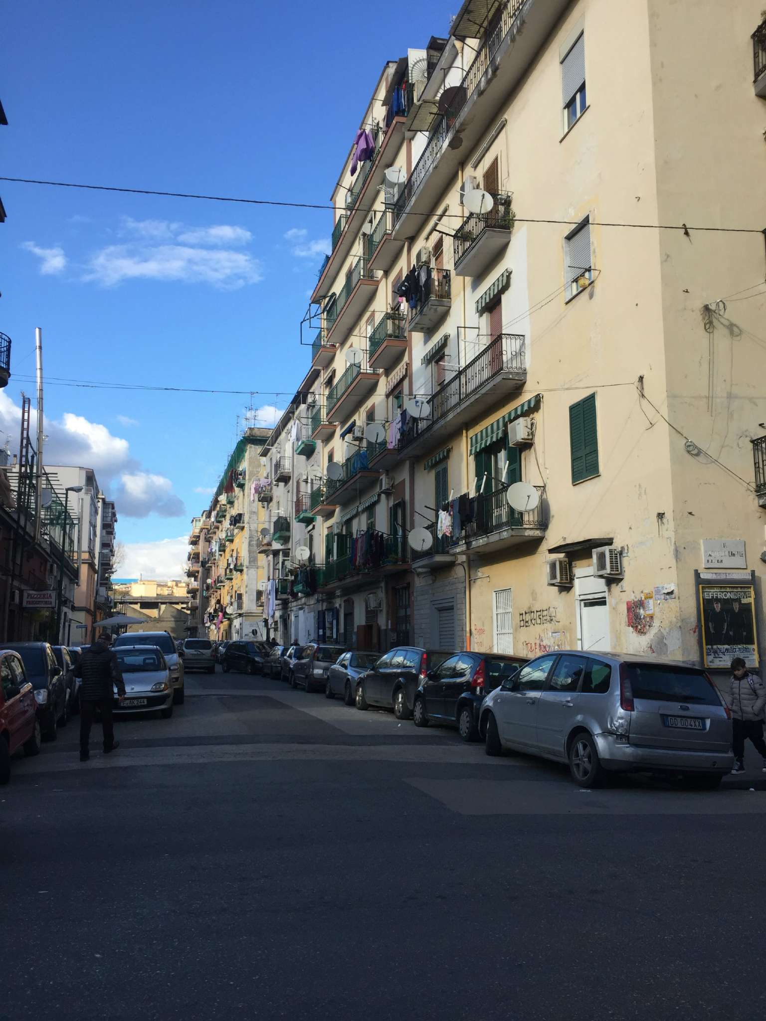 Negozio / Locale in Affitto a Napoli