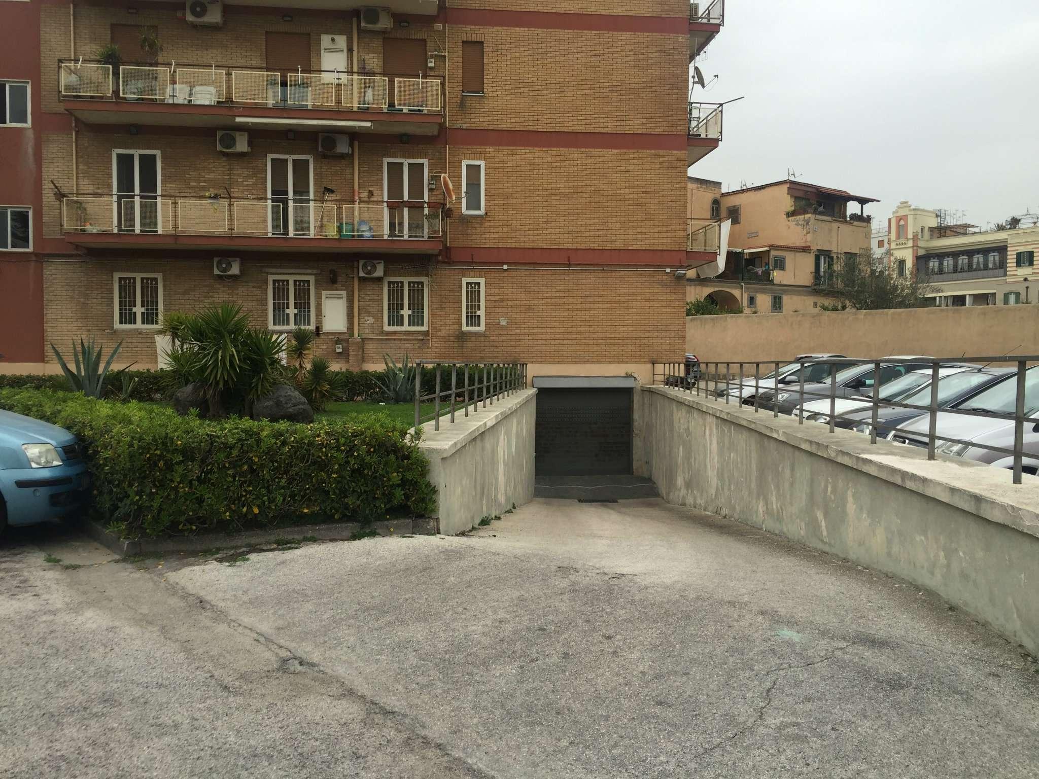 Box / Garage in vendita a Portici, 7 locali, prezzo € 75.000 | CambioCasa.it