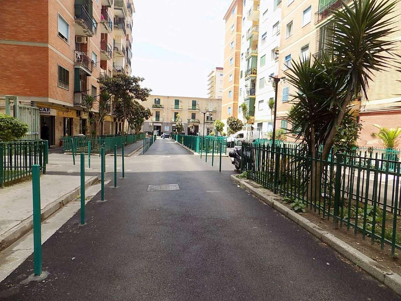 Appartamento in affitto a San Giorgio a Cremano, 5 locali, prezzo € 500 | CambioCasa.it