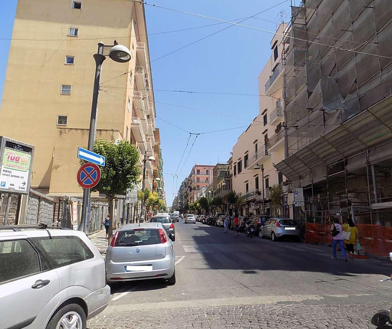 Negozio / Locale in Vendita a Portici