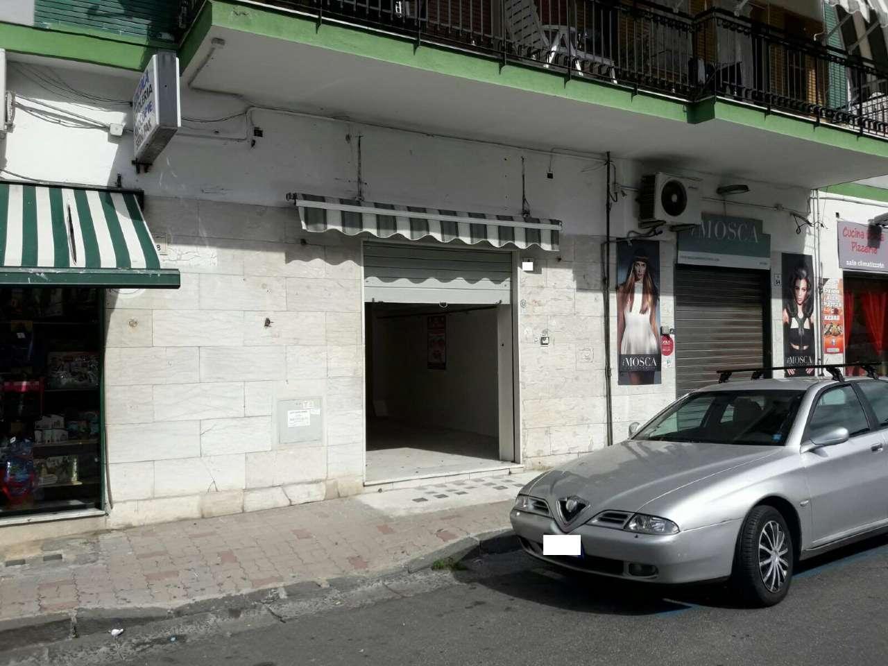 Negozio / Locale in affitto a San Giorgio a Cremano, 1 locali, prezzo € 500 | CambioCasa.it