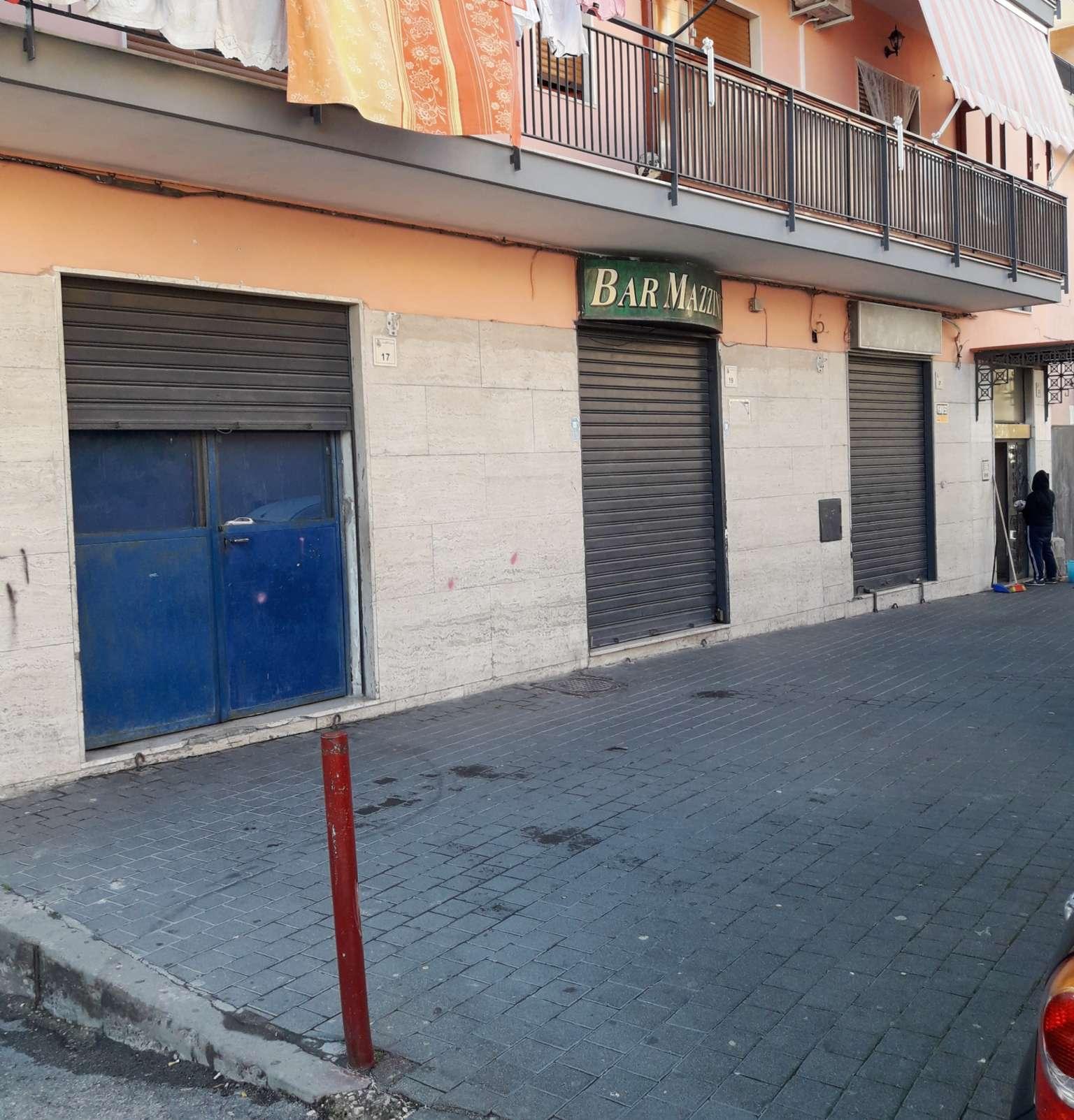 Negozio / Locale in affitto a San Giorgio a Cremano, 9999 locali, prezzo € 400 | CambioCasa.it