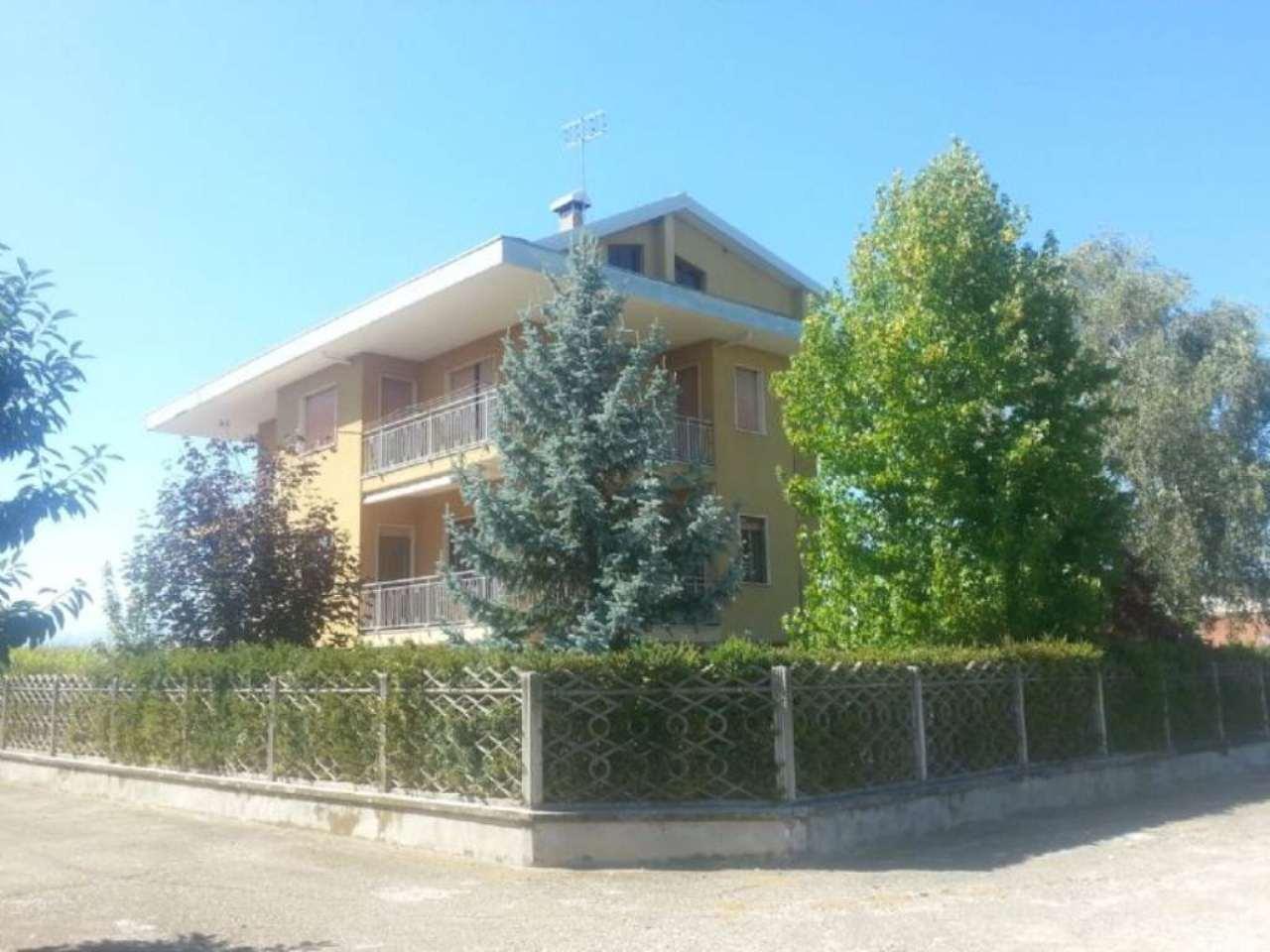 Soluzione Indipendente in vendita a Cuneo, 8 locali, Trattative riservate | Cambio Casa.it