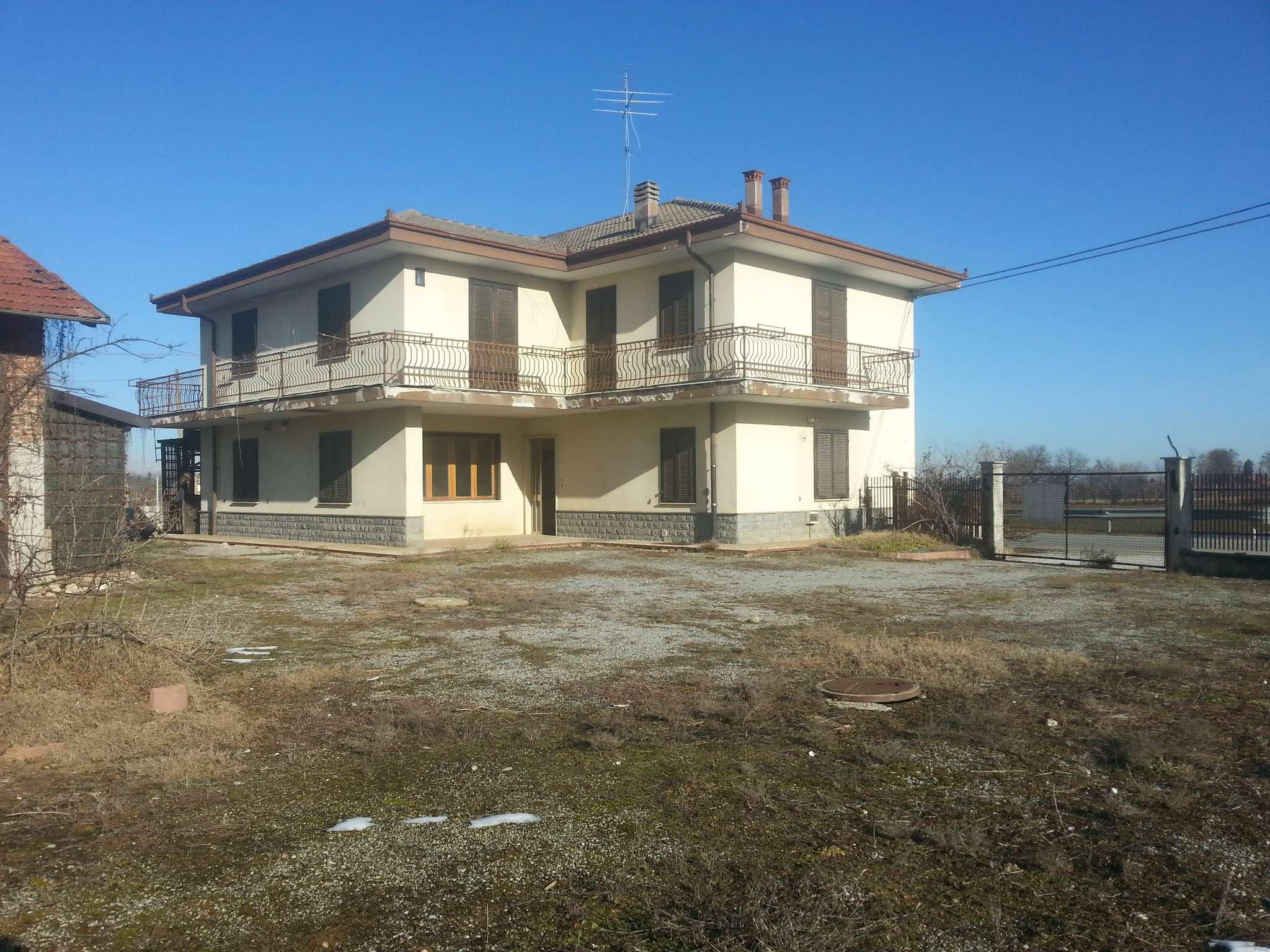 Soluzione Indipendente in vendita a Cuneo, 8 locali, prezzo € 245.000 | Cambio Casa.it