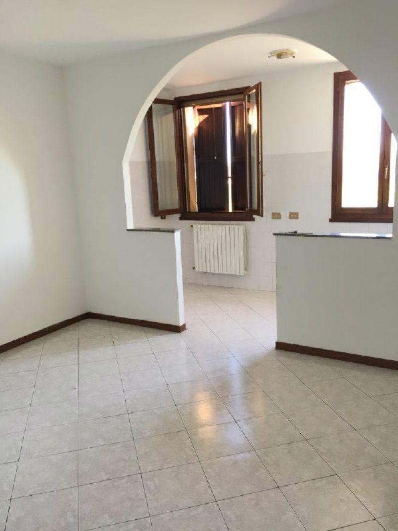 Appartamento in vendita a San Giovanni in Persiceto, 2 locali, prezzo € 85.000 | Cambio Casa.it