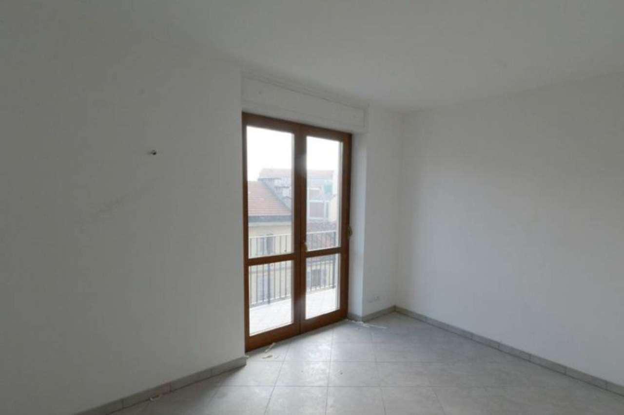 Bilocale Torino Via Antonio Cecchi 12