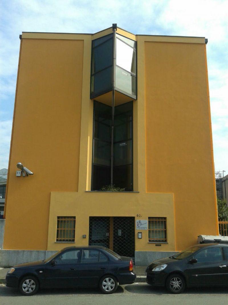 Torino Affitto STABILE / PALAZZO Immagine 2