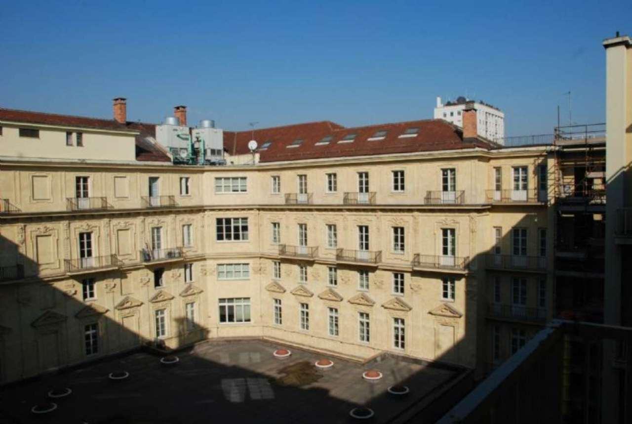 Bilocale Torino Via Roma 11