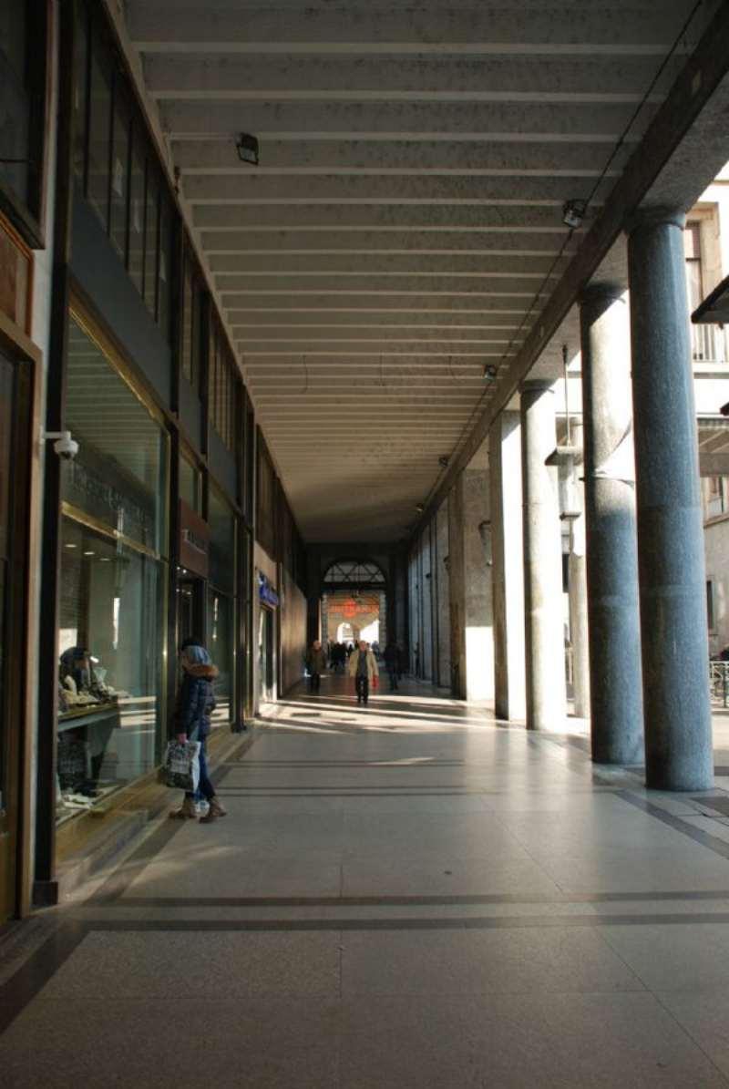 Bilocale Torino Via Roma 3