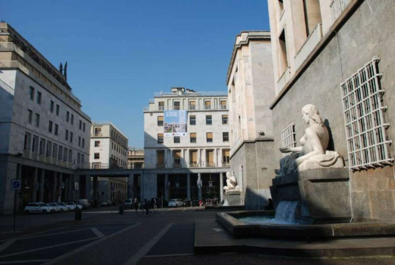 Bilocale Torino Via Roma 1
