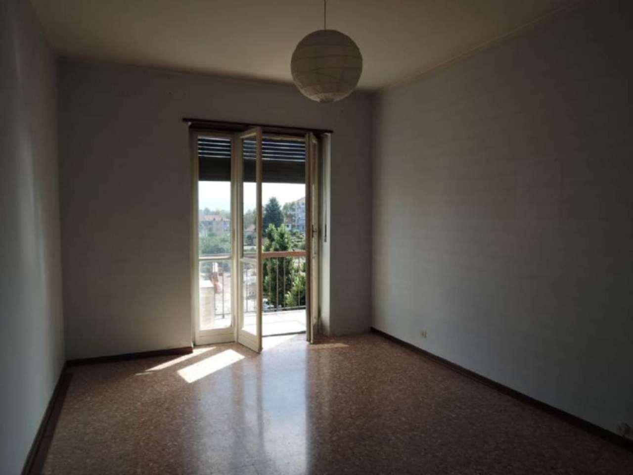 Bilocale Grugliasco Via Trento 11