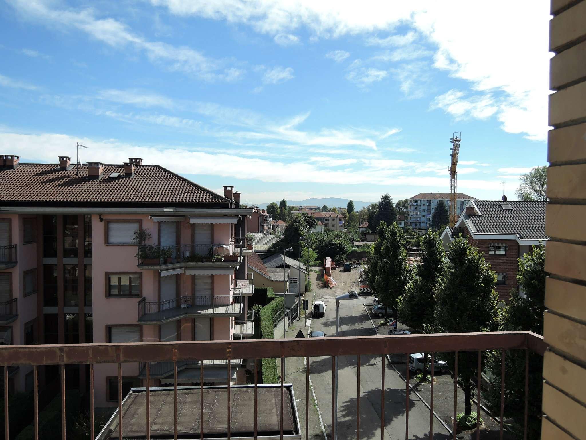 Bilocale Grugliasco Via Trento 4