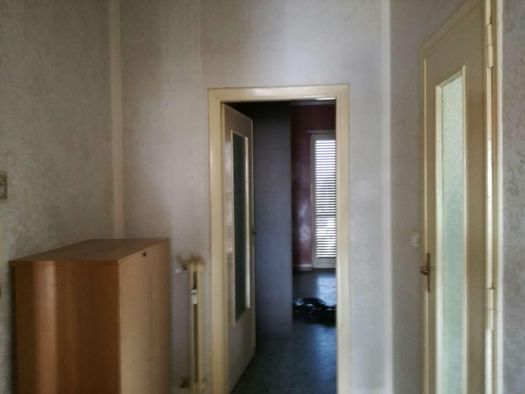 Bilocale Grugliasco Via Trento 10