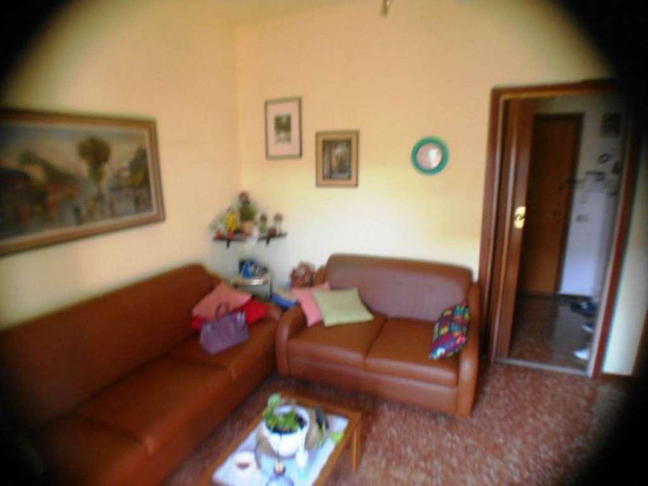 Bilocale Milano Via Inganni 7