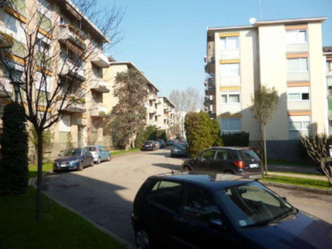 Bilocale Milano Via Fonzaso 8