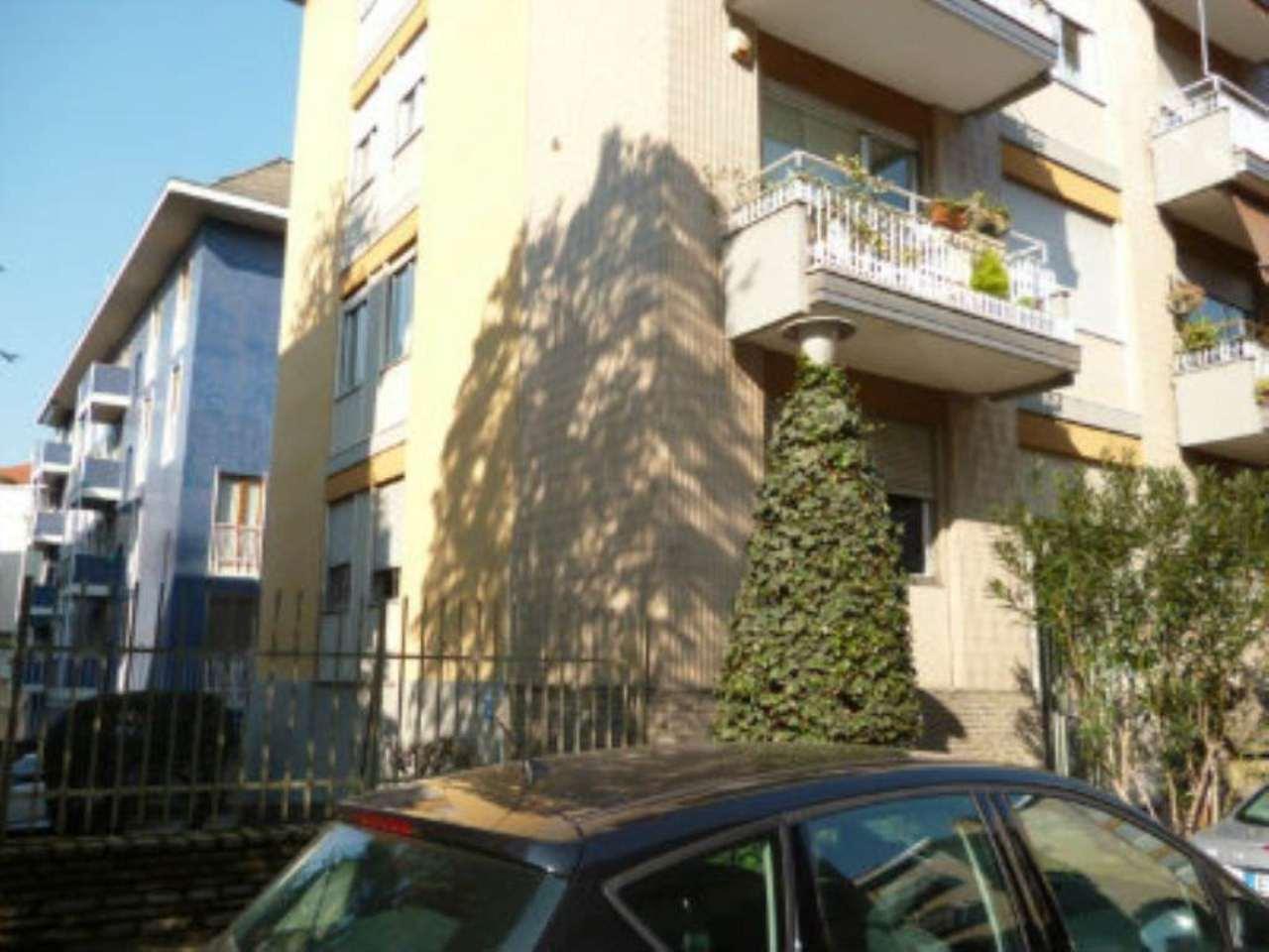 Bilocale Milano Via Fonzaso 7