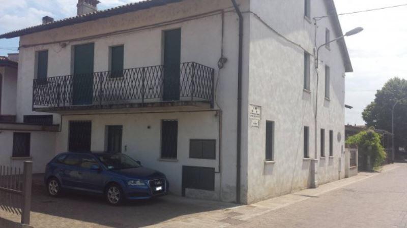 Rustico / Casale in Vendita a Rudiano