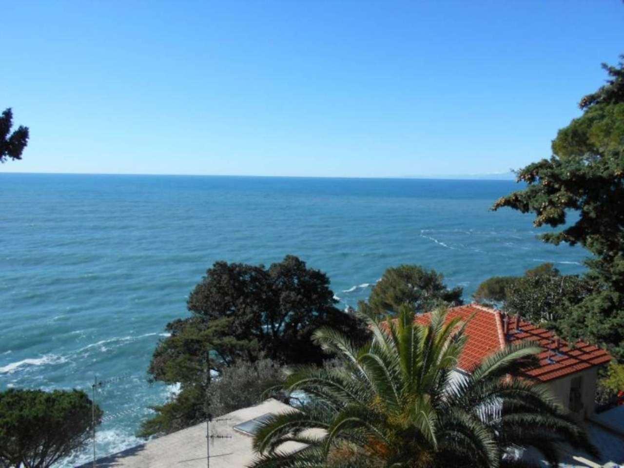 Appartamento in vendita a Sori, 6 locali, prezzo € 420.000 | Cambio Casa.it