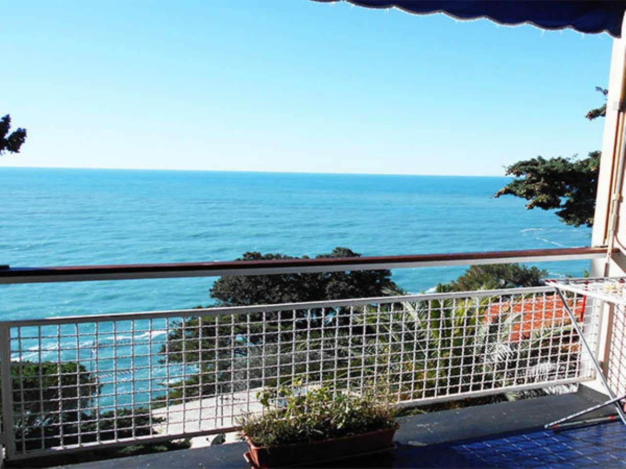 Appartamento in vendita a Sori, 6 locali, prezzo € 420.000 | CambioCasa.it