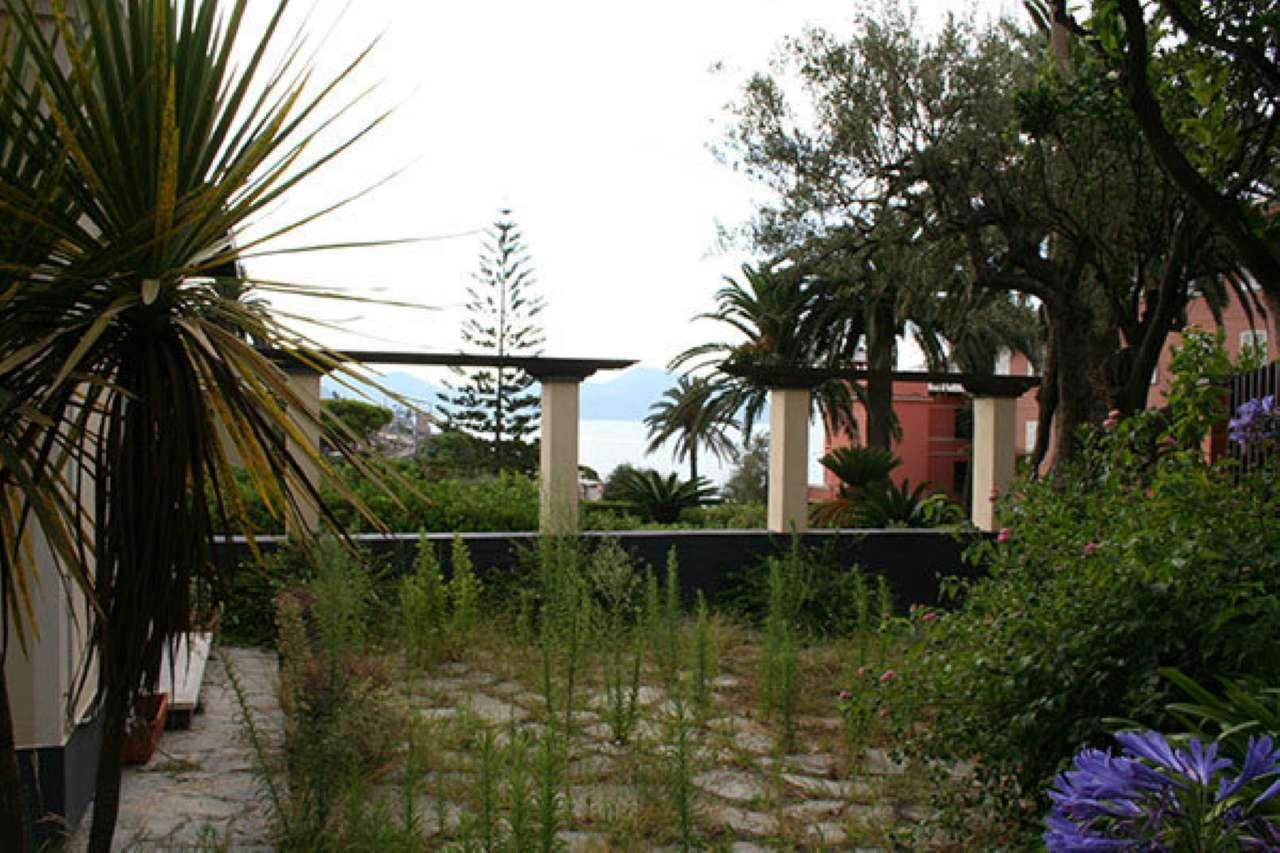 Villa in affitto a Genova, 6 locali, prezzo € 2.000 | CambioCasa.it