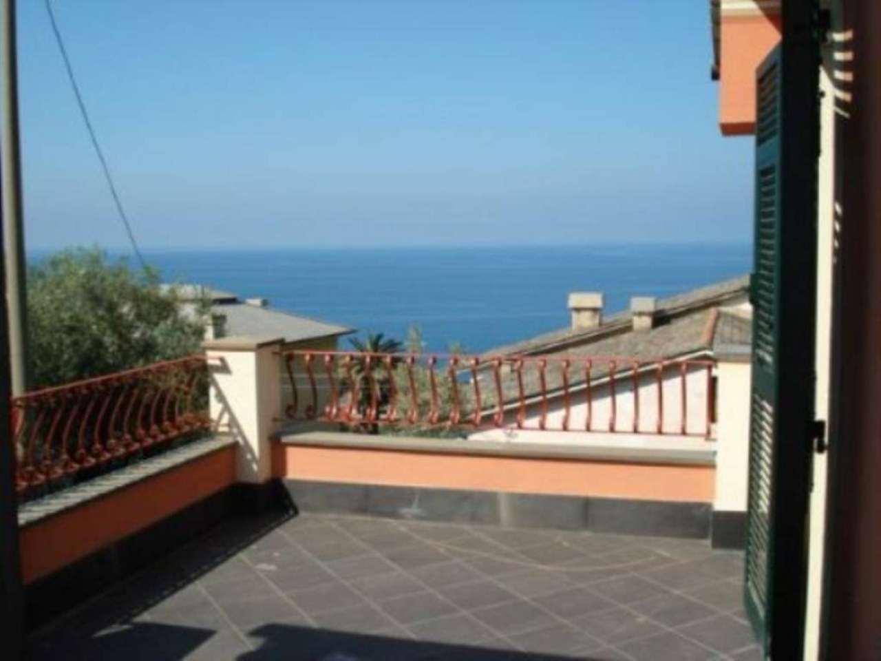 Villa in vendita a Recco, 7 locali, prezzo € 890.000 | Cambio Casa.it
