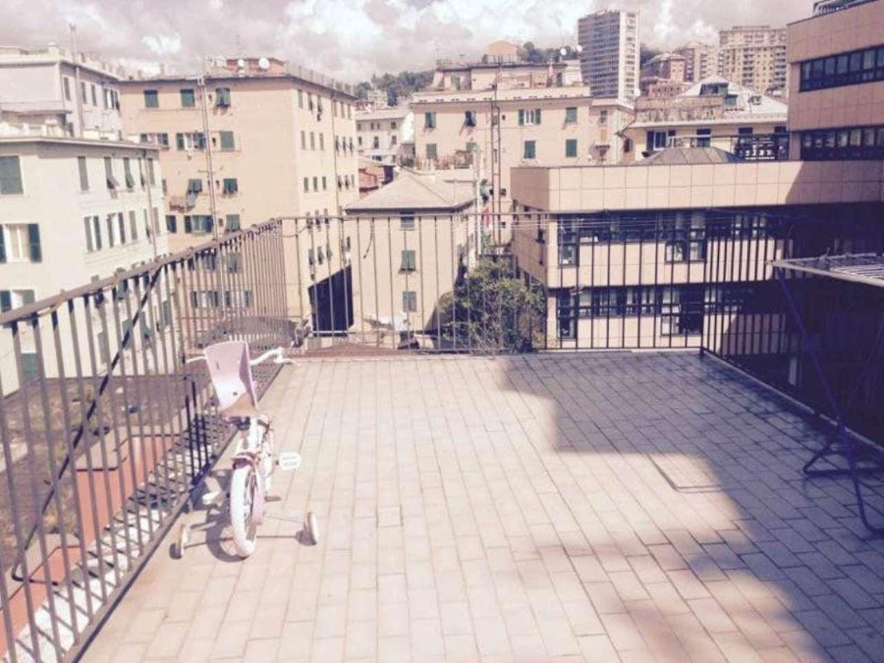Bilocale Genova Via Sampierdarena 2