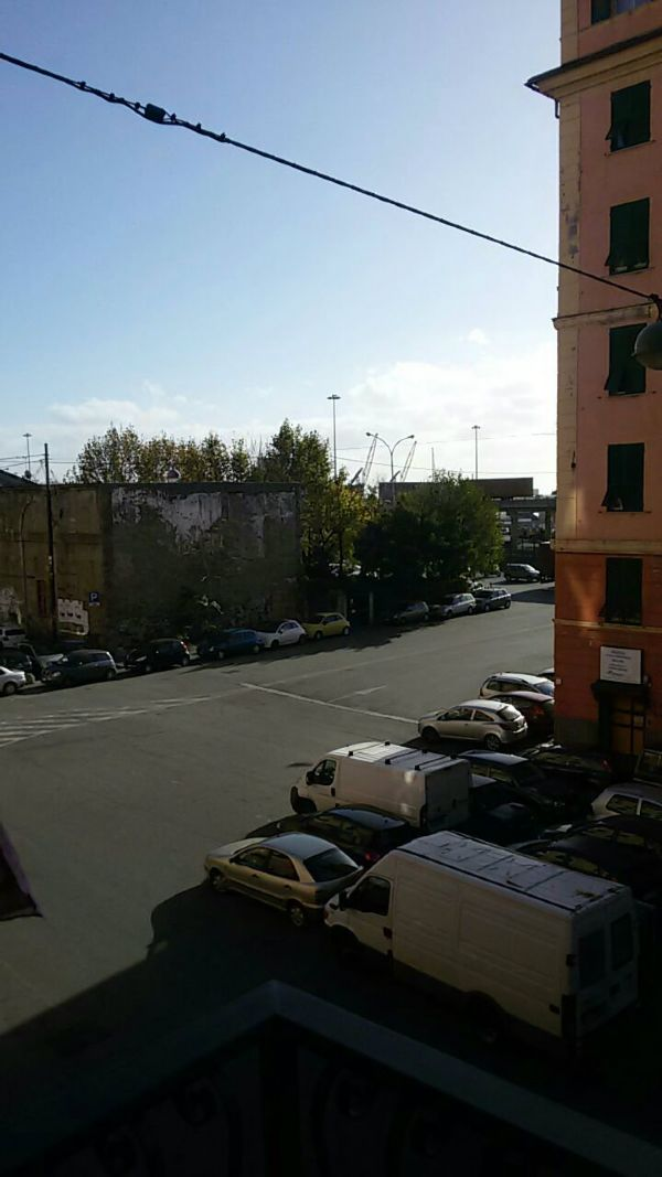 Bilocale Genova Via Sampierdarena 12