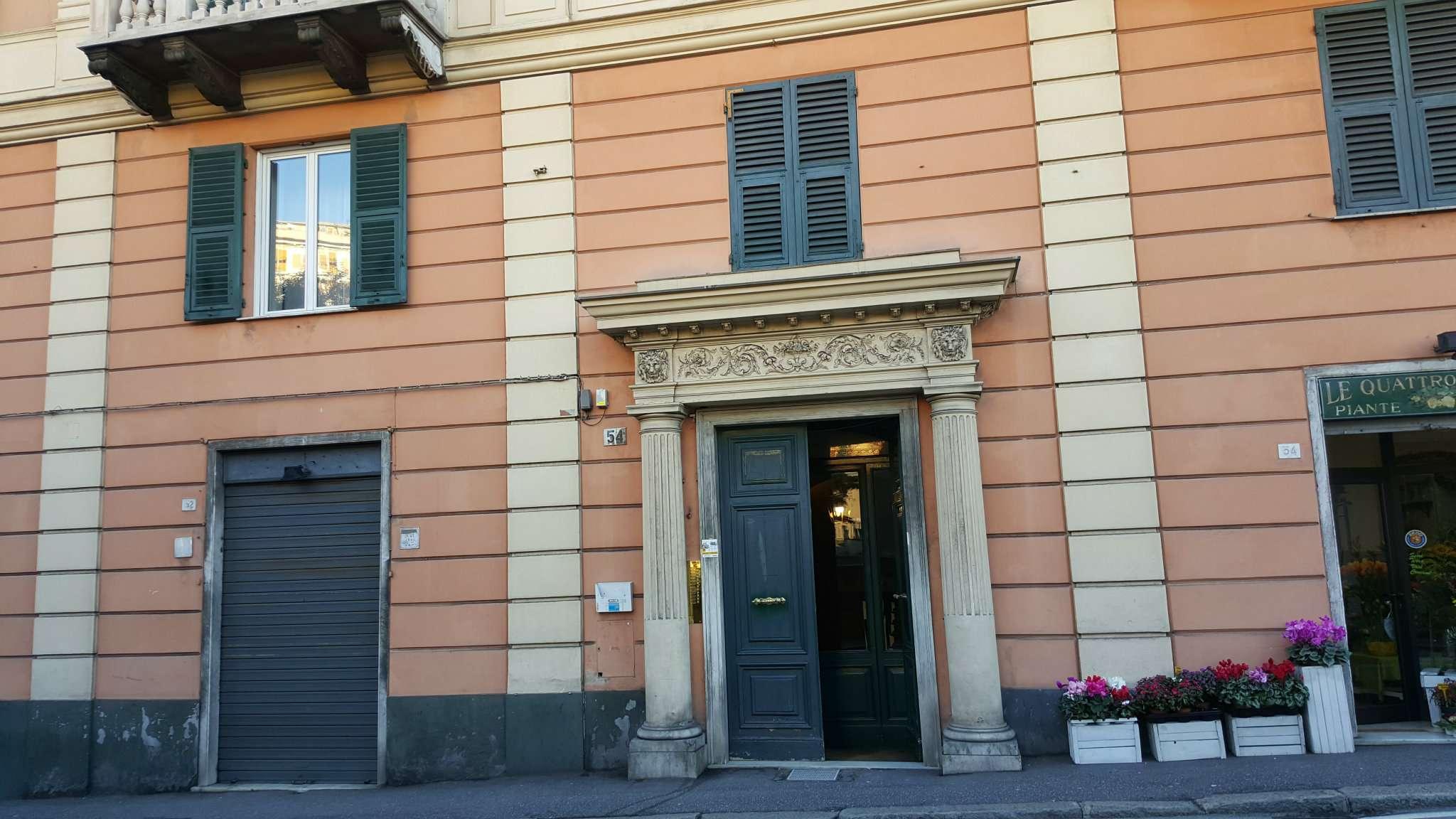 Appartamento in affitto a Genova, 9 locali, prezzo € 950 | Cambio Casa.it