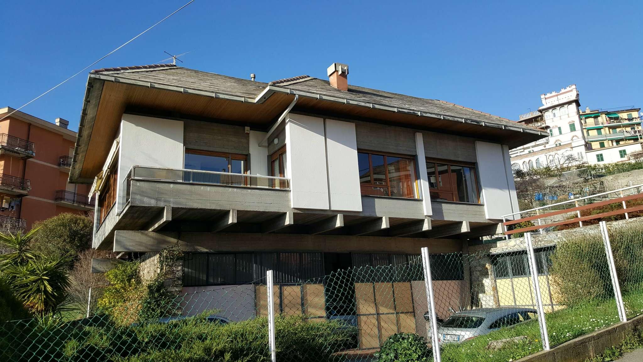 Villa in affitto a Genova, 8 locali, prezzo € 1.000 | Cambio Casa.it