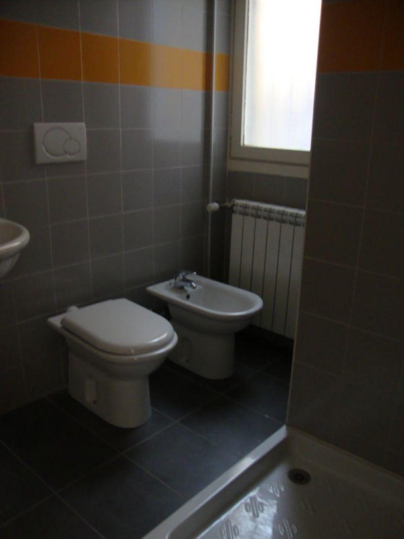 Bilocale Milano Via Maiocchi 9