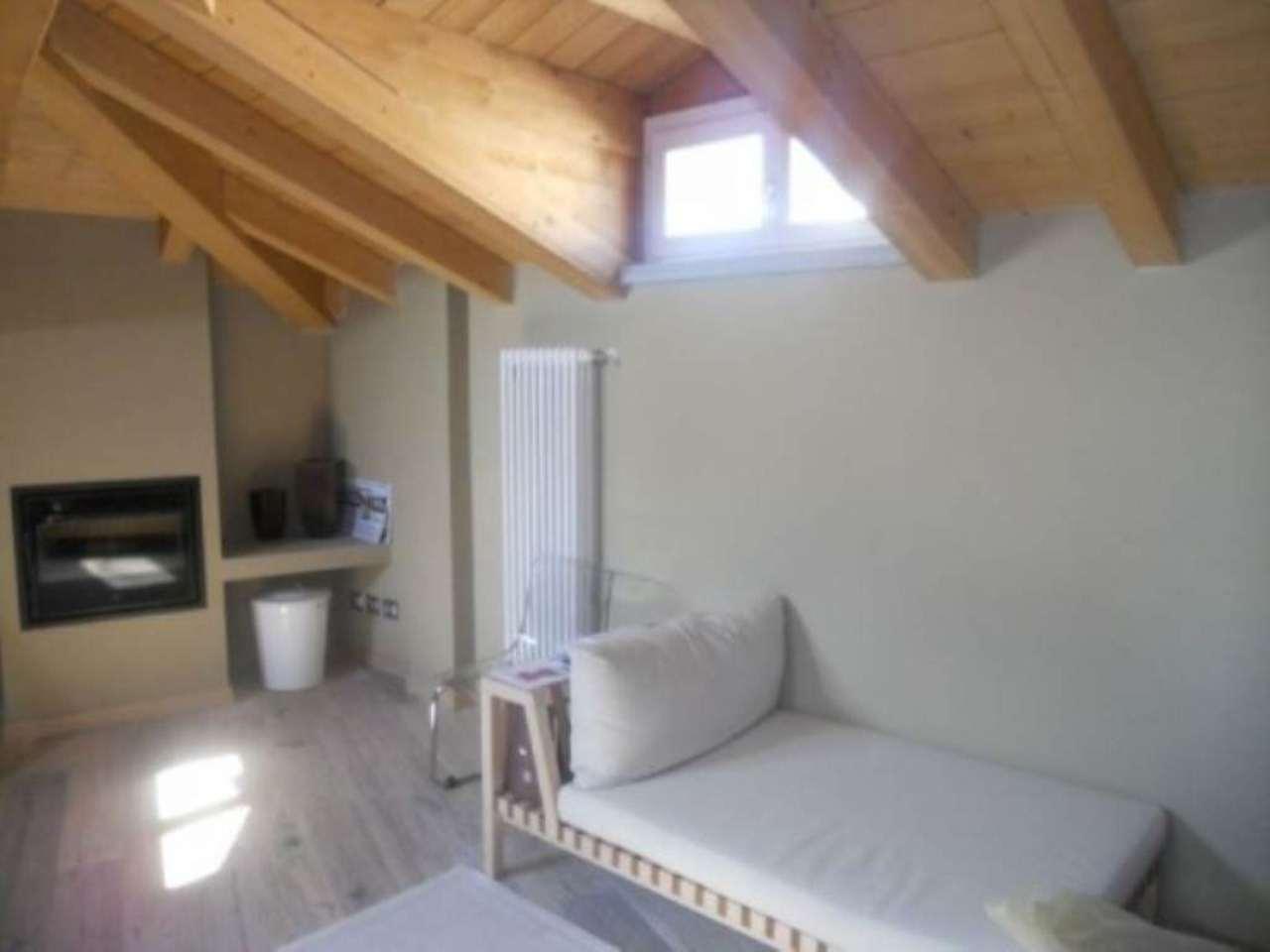 Appartamento in affitto a Malnate, 2 locali, prezzo € 600 | Cambio Casa.it