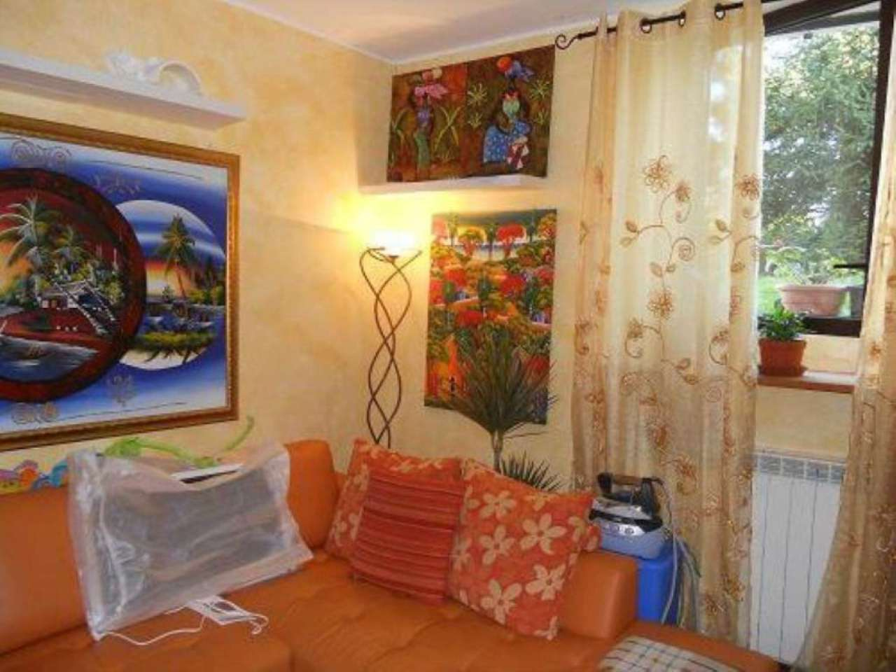 Appartamento in affitto a Malnate, 2 locali, prezzo € 400 | Cambio Casa.it