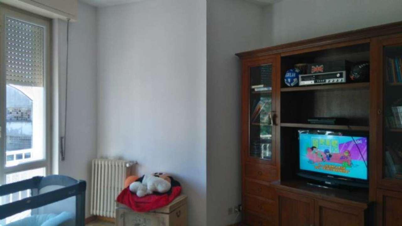 Appartamento in affitto a Malnate, 3 locali, prezzo € 650 | Cambio Casa.it