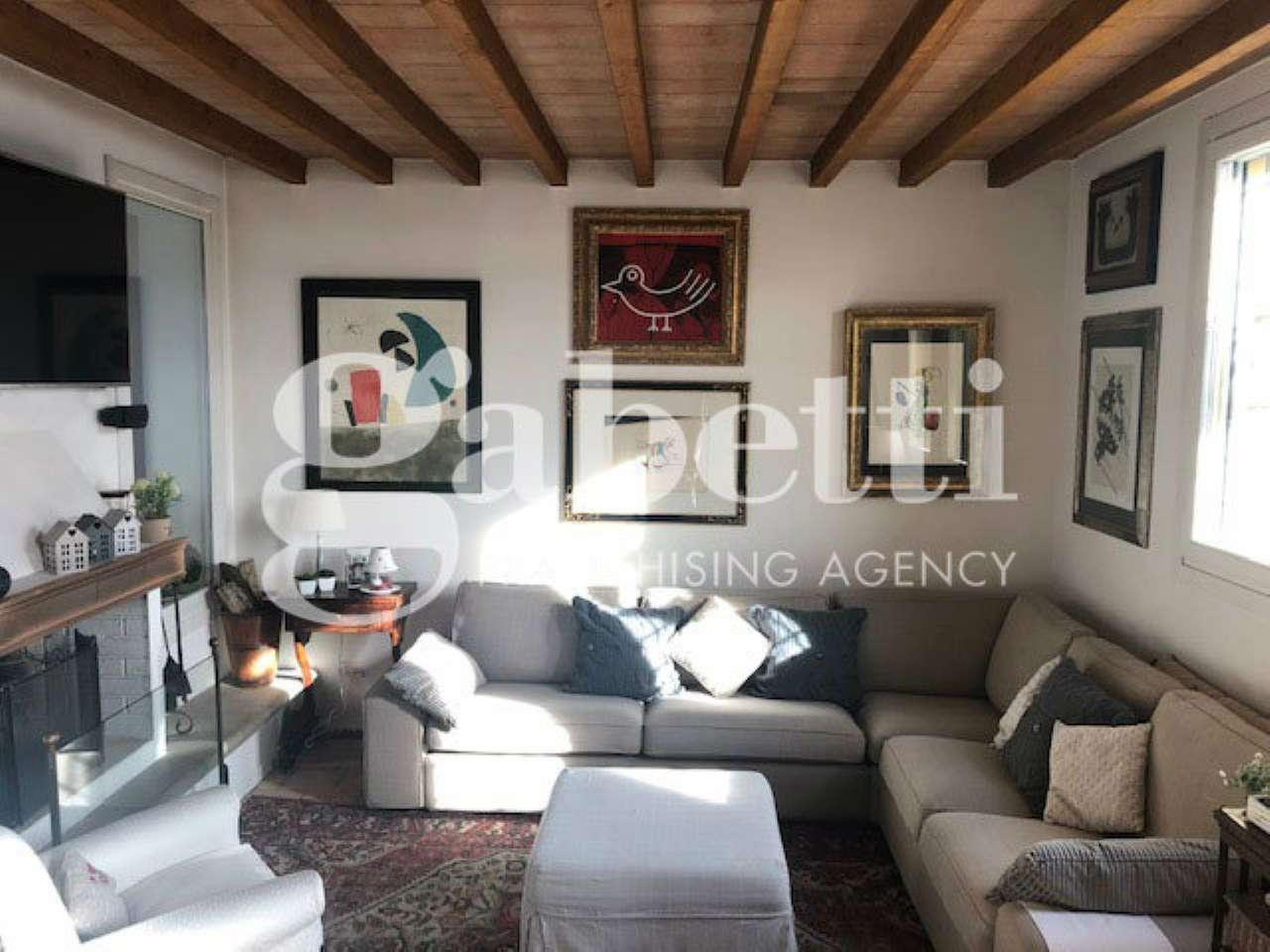 Foto 1 di Villa via Monte Albano, Bologna (zona Colli)