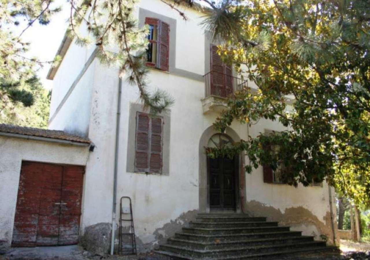 Soluzione Indipendente in vendita a Tarano, 12 locali, prezzo € 265.000 | CambioCasa.it