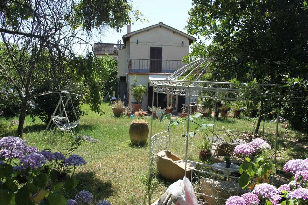 Rustico / Casale in vendita a Ronciglione, 3 locali, prezzo € 190.000 | Cambio Casa.it