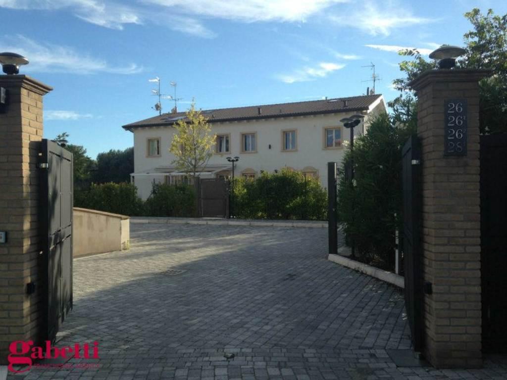 Villa in vendita a Castel Maggiore, 10 locali, prezzo € 500.000 | Cambio Casa.it