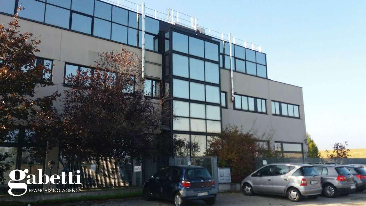 Ufficio / Studio in vendita a Castel Maggiore, 4 locali, prezzo € 900   Cambio Casa.it
