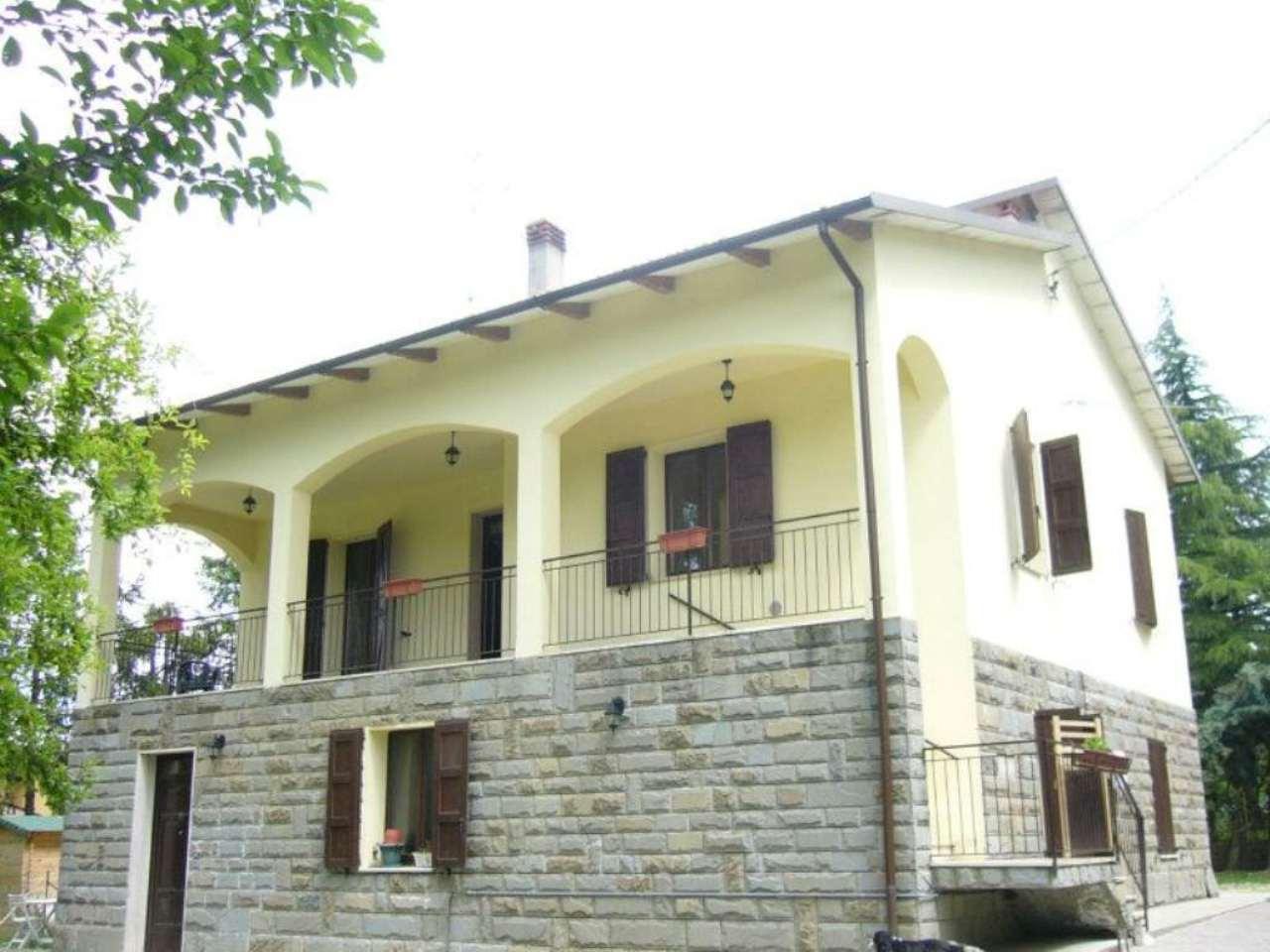 Soluzione Indipendente in vendita a Valsamoggia, 10 locali, prezzo € 250.000   Cambio Casa.it