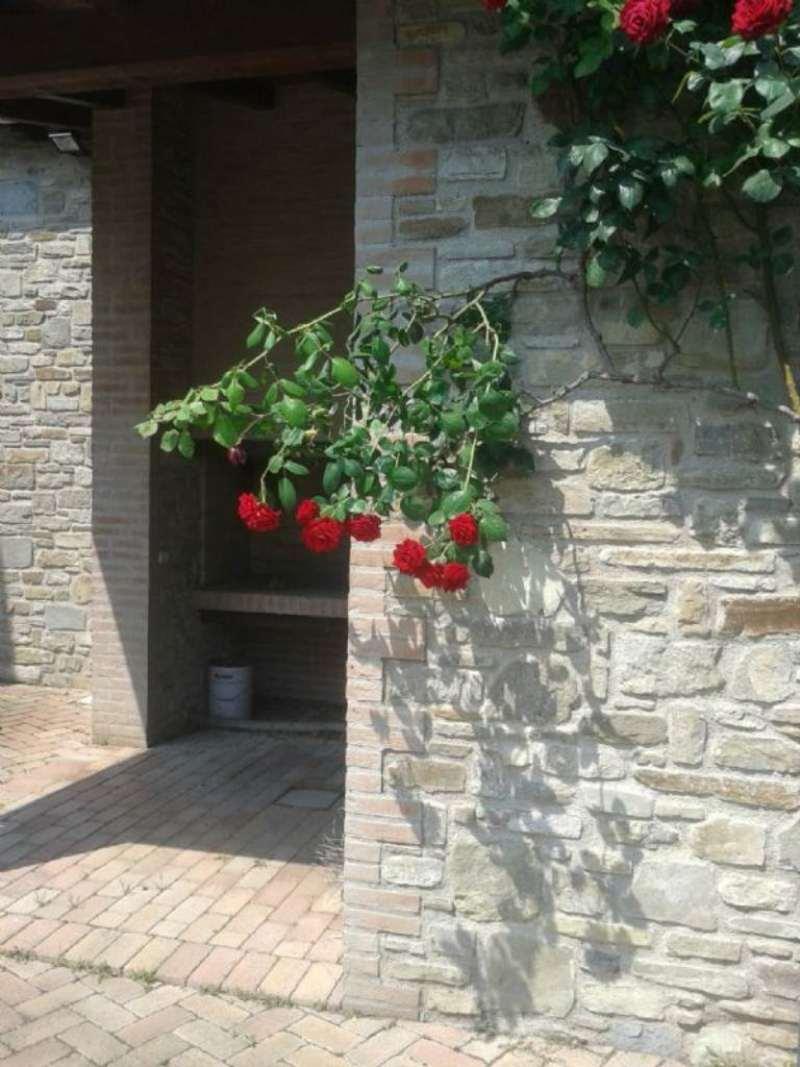 Rustico / Casale in vendita a Monte San Pietro, 10 locali, prezzo € 250.000 | Cambio Casa.it