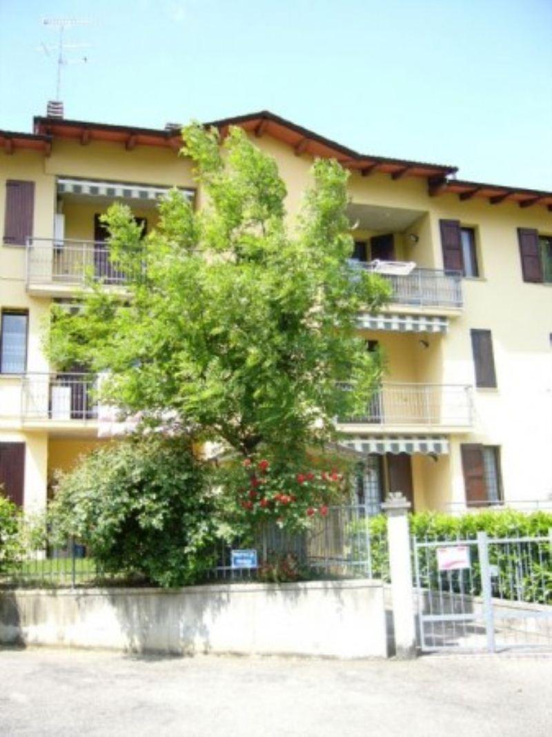 Appartamento in vendita a Vergato, 4 locali, prezzo € 120.000 | Cambio Casa.it