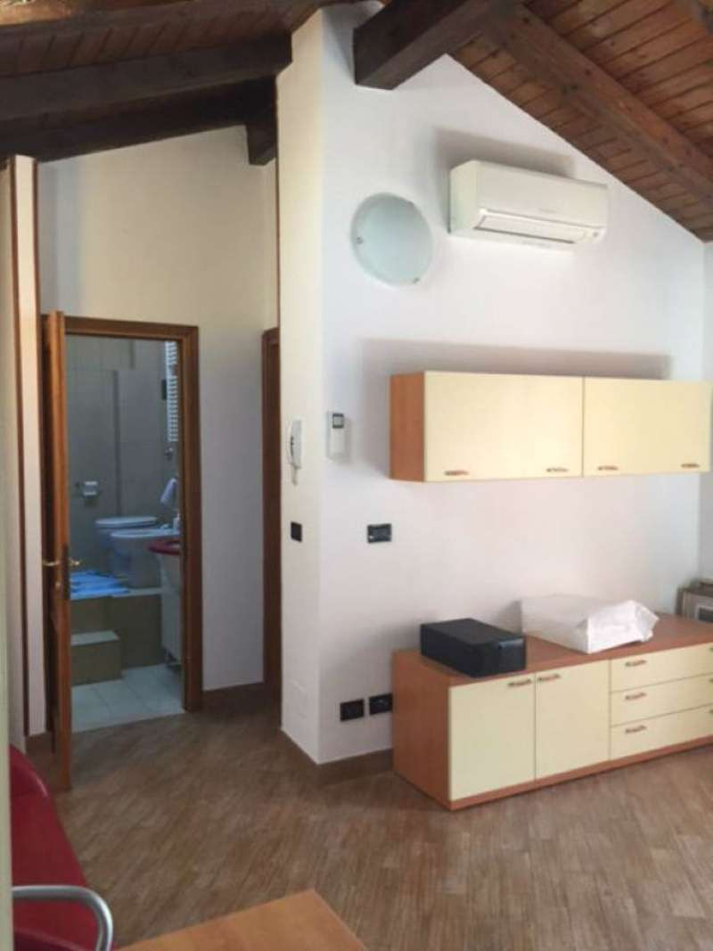 Bilocale Bologna Via Zanardi 1