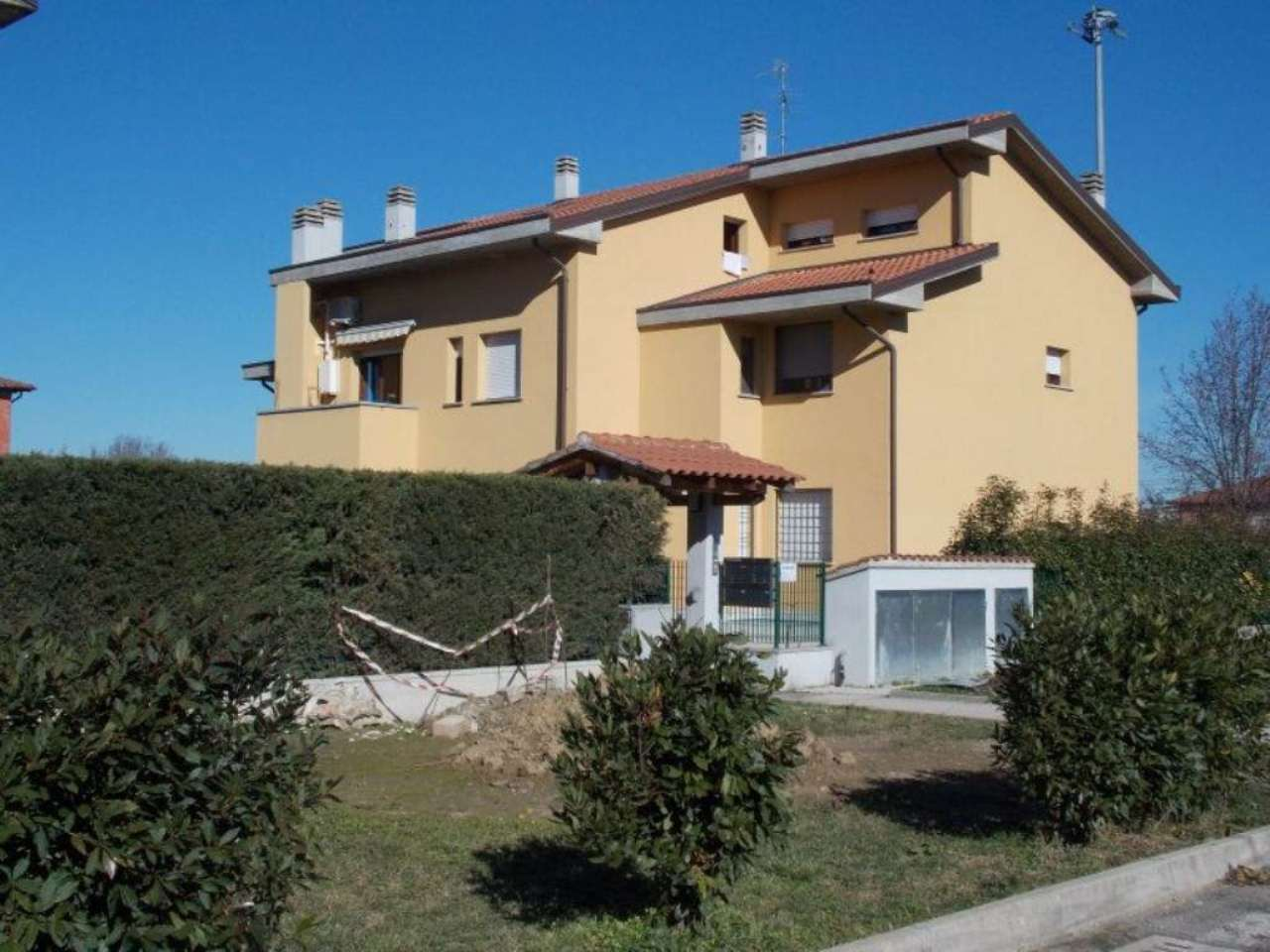 Bilocale Castel San Pietro Terme Via Pilastrino 1