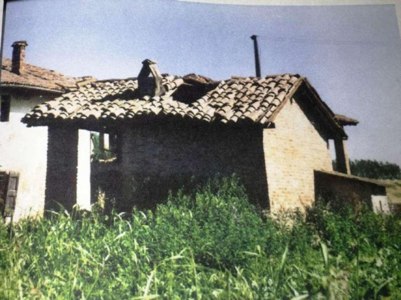Soluzione Indipendente in vendita a Castello d'Argile, 10 locali, prezzo € 35.000 | Cambio Casa.it