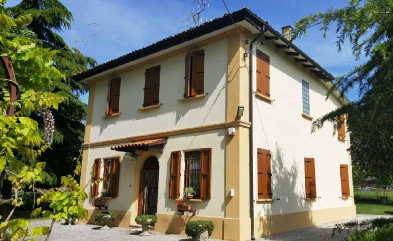Villa in vendita a Argelato, 8 locali, prezzo € 295.000 | Cambio Casa.it