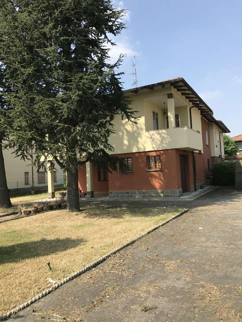 Soluzione Indipendente in vendita a Argelato, 9 locali, prezzo € 275.000 | Cambio Casa.it