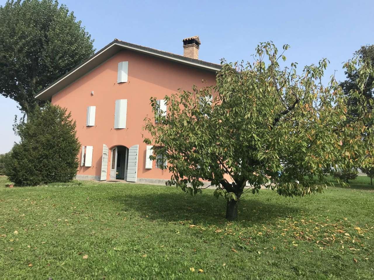 Villa in vendita a Castello d'Argile, 6 locali, prezzo € 450.000 | CambioCasa.it