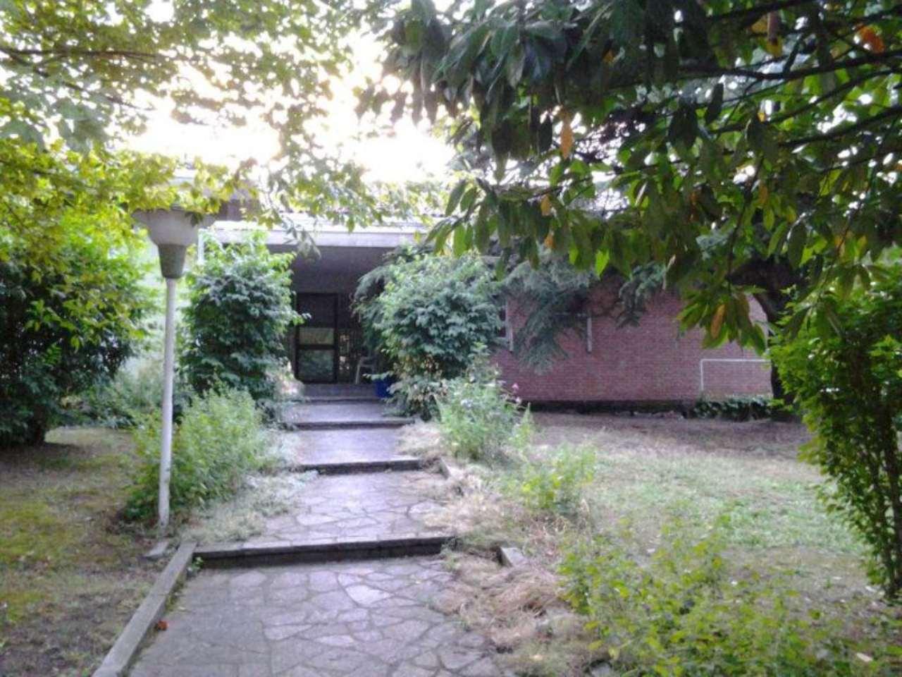 Villa in vendita a Argelato, 8 locali, prezzo € 350.000 | CambioCasa.it