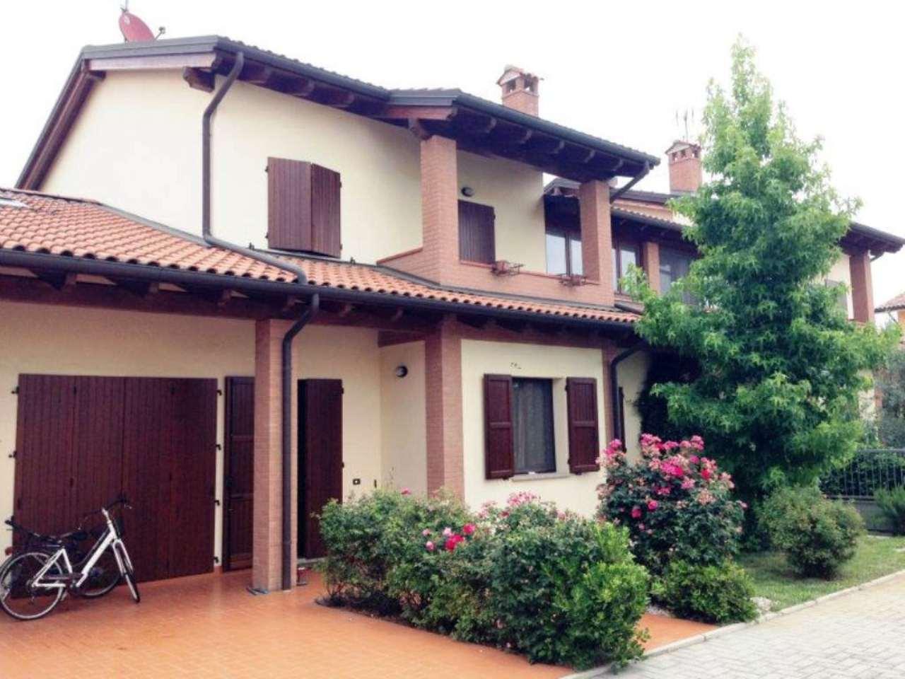Villa Bifamiliare in vendita a Pieve di Cento, 5 locali, prezzo € 420.000   Cambio Casa.it